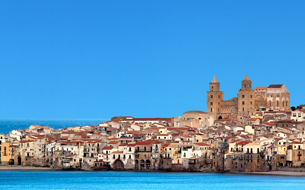 Italian course Sydney at Italia 500 - Image of Cefalù, Sicily