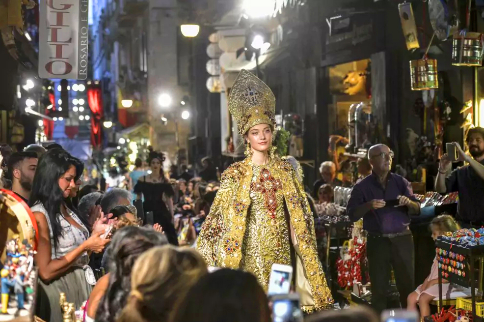 Naples hosts Dolce&Gabbana - Italian classes Sydney at Italia 500